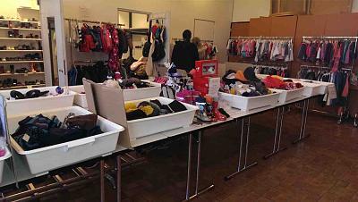 second-hand-market-kids-50-discount-toys-clothes-zh-market1.jpg