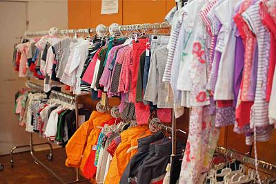 second-hand-market-kids-50-discount-toys-clothes-zh-market-5.jpg