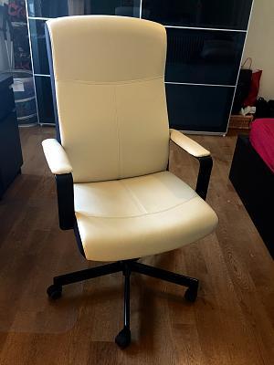 sale-desk-chair-closet-img_4426.jpg