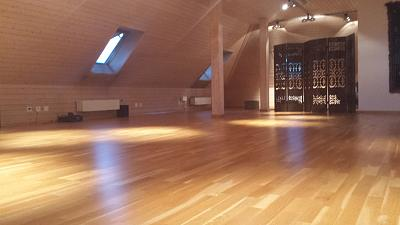 english-speaking-yoga-studio-space-2.jpg
