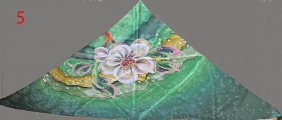 silk-handpainted-scarfs-batik-trianle5.jpg