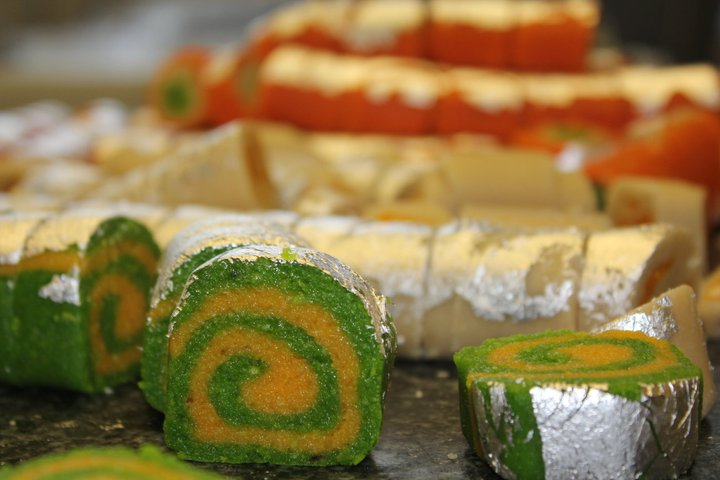 http://www.englishforum.ch/attachments/commercial/19791d1287354224-authentic-indian-sweets-diwali-kaju18.jpg