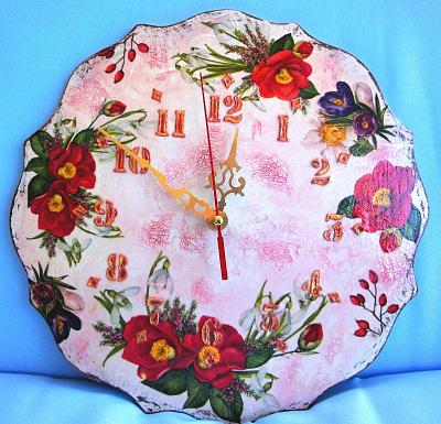sale-handmade-carved-wooden-wall-clock-vintage-shabby-style-personalised-gift-wall-clock.jpg