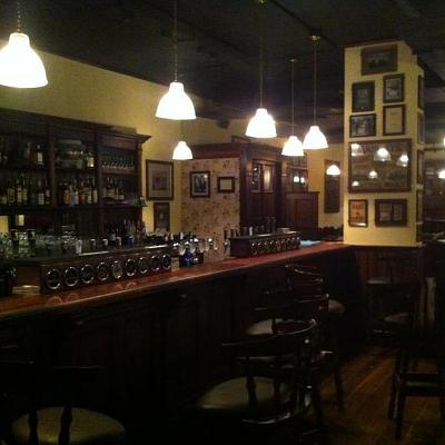 new-pub-kennedy-s-irish-pub-sihlpost-zurich-pub-pic-bar.jpg