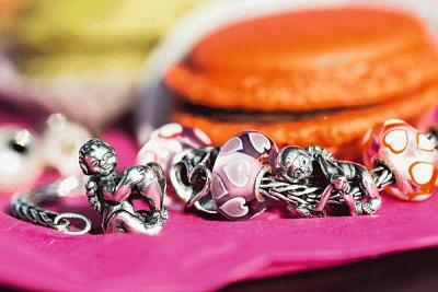 trollbeads-valentine-collection-2015-2015-valentines-close-up-wide-1_600.jpg