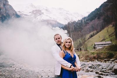 wedding-lifestyle-photographers-swiss-wedding-photographer-alps-engagement-hochzeitsfotograf-0027.jpg