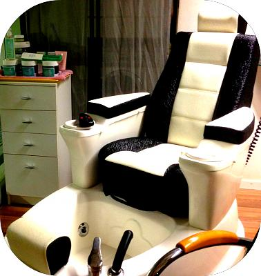 nails-kali-now-seefeld-pedicure-chair.jpg
