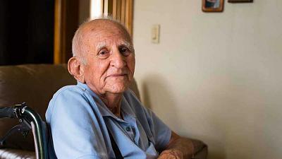 man-who-requesting-money-outside-globus-l_shutterstock_elderly-man_1200x675-1.jpg