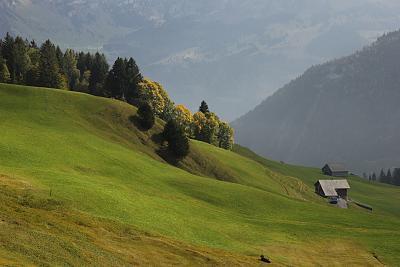 post-your-photos-switzerland-151003_naefels-innerthal-29.jpg