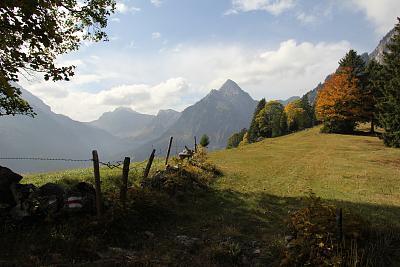 post-your-photos-switzerland-151003_naefels-innerthal-31.jpg