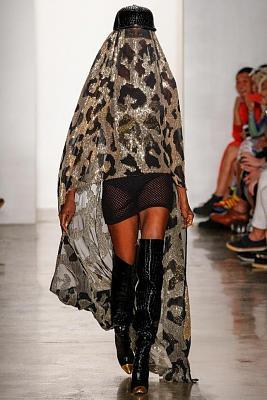 what-does-swiss-fashion-look-like-des-burqas-en-hommage-aux-revolutions-du.jpg