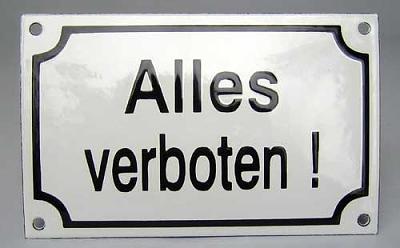 beware-eating-public-transport-alles-verboten.jpg