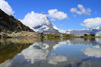 post-your-photos-switzerland-i5335-matterhorn-reflection.jpg
