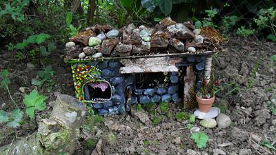 what-do-you-make-show-us-your-stuff-hobbit-house-2.jpg