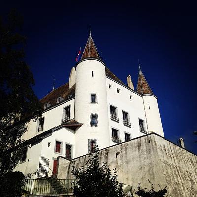 post-your-photos-switzerland-castle-nyon.jpg