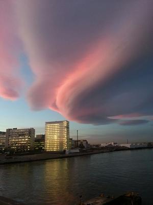 ufo-cloud-over-basel-today-uploadfromtaptalk1421143544872.jpg