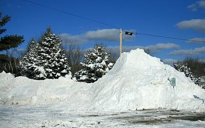 snow-way-4x6snowmound7982.jpg