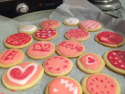 what-you-doing-valentines-day-valentine-cookies-2.jpg