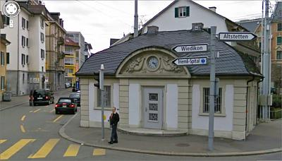 astonished-toilet-lausanne-station-unbenannt.jpg