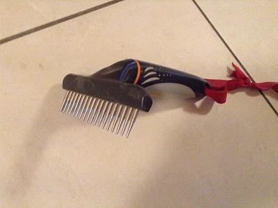 where-buy-rotating-hair-doctor-comb-3f220fd4-0ef9-47db-82f1-ec221653489c.jpg
