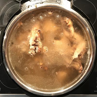 instant-pot-making-chicken-stock-moulinex-cookeo-img_1697.jpg