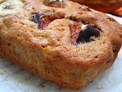 post-photos-what-you-cook-bake-switzerland-banana-fig-bread-2009-09-17-03.jpg