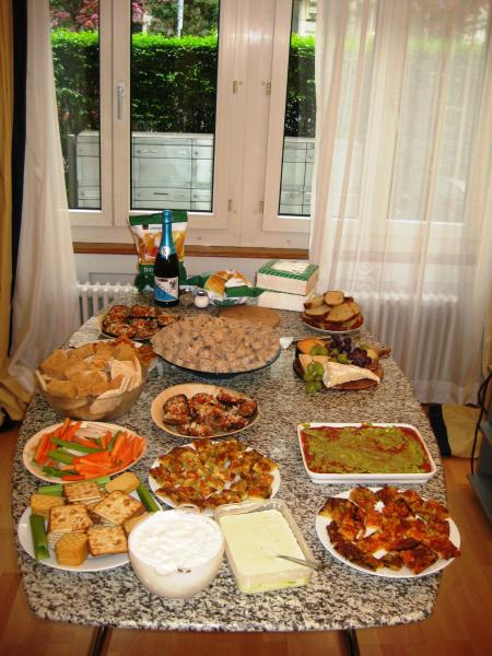 Housewarming party help page 2 english forum for Easy housewarming party food