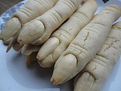post-photos-what-you-cook-bake-switzerland-witches-fingers.jpg