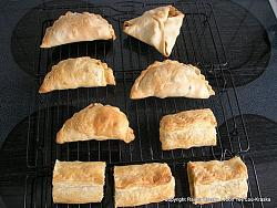 post-photos-what-you-cook-bake-switzerland-curry-puffs-n-rolls.jpg