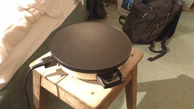could-someone-help-me-identify-machine-fondue-plate-warmer-dsc_1643.jpg
