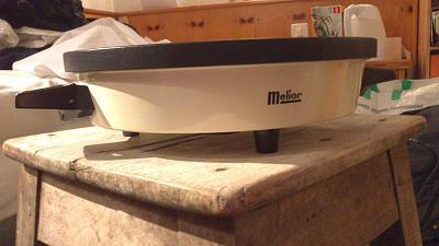 could-someone-help-me-identify-machine-fondue-plate-warmer-dsc_1645.jpg