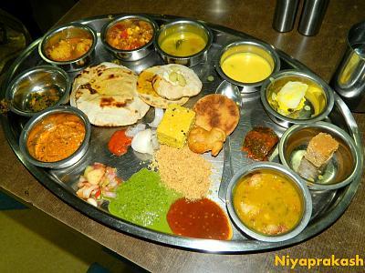 best-indian-curry-zurich-r-thali.jpg