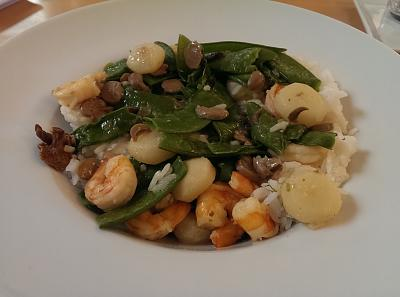 post-photos-what-you-cook-bake-switzerland-2014-03-29-shrimp-snow-peas-water-chestnuts-shrooms.jpg