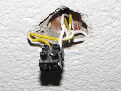 advice-ceiling-light-wiring-thing.jpg