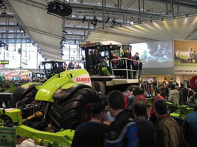 lawnmower-type-640px-claas_cougar.jpg
