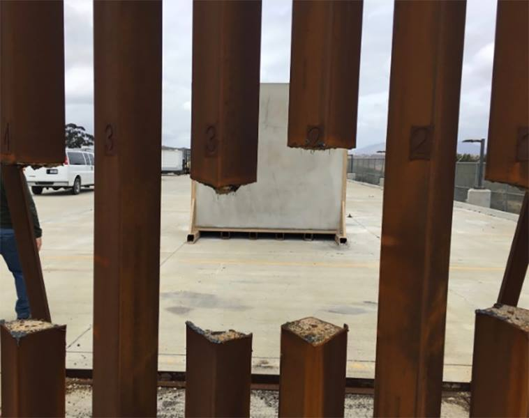 Name:  190109-border-fence.jpg