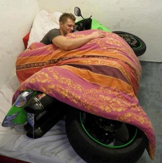 Name:  motorbike-bed-cuddle-guy-snug-13358311994.jpg Views: 111 Size:  105.0 KB