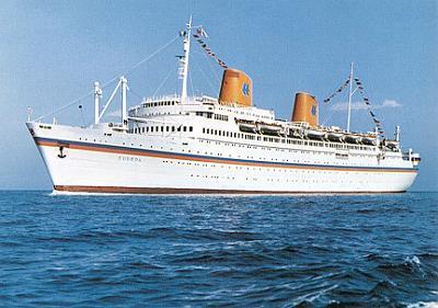 costa-concordia-cruise-ship-runs-aground-europa04.jpg