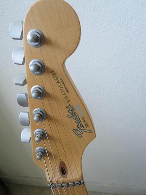 fender-stratocaster-guitar-plus-deluxe-black-made-usa-1994-wiafbde2.jpg