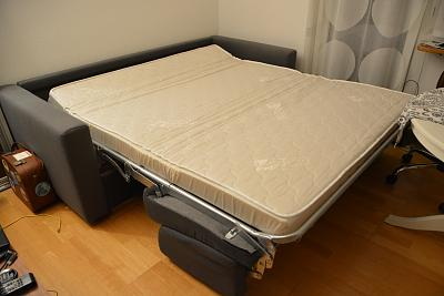 furniture-household-items-moving-sale-zurich-bed-sofa_2.jpg