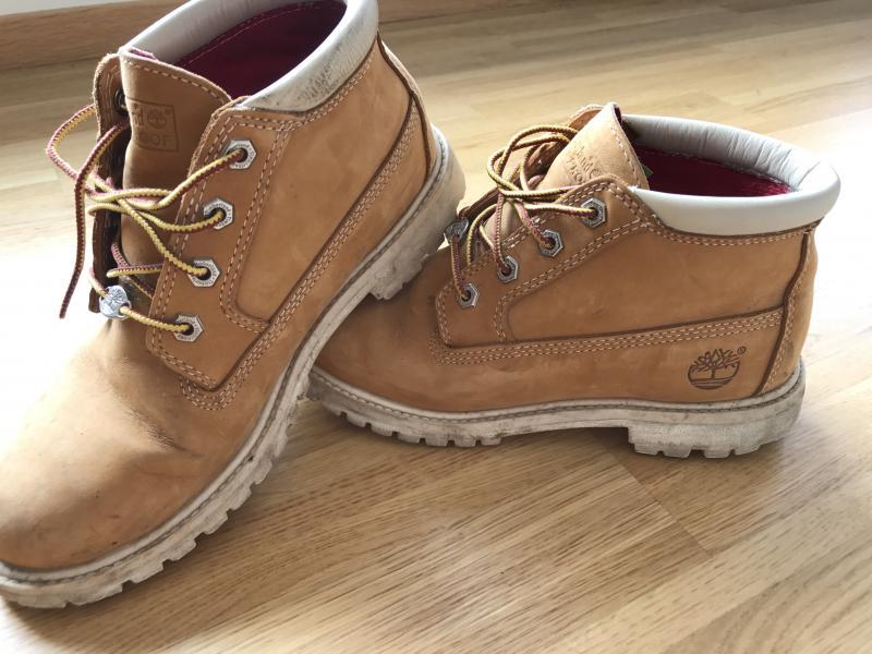 af7560f7e60 Shoes for sale(Guess, UGG, Hunter, Navy boot, Timberland , Fendi ...