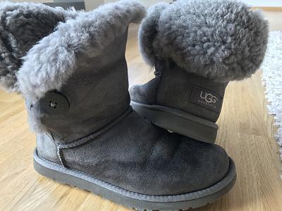 shoes-sale-guess-ugg-hunter-navy-boot-timberland-fendi-etc-img_7313.jpg