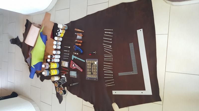 Leathercraft hobby kit stafa zh english forum switzerland for Leather craft kits for sale