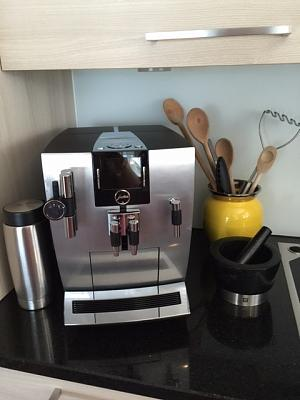 jura-coofee-machine-francis-francis-coffee-machine-bose-soundsystem-4.jpg