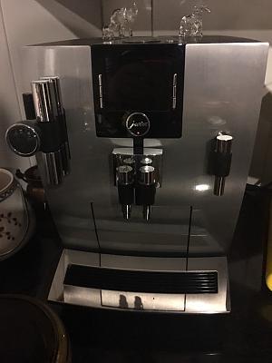jura-coofee-machine-francis-francis-coffee-machine-bose-soundsystem-11.jpg