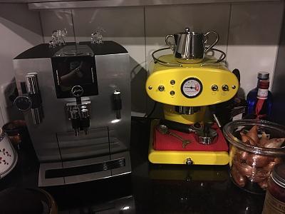 jura-coofee-machine-francis-francis-coffee-machine-bose-soundsystem-10.jpg