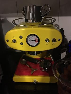 jura-coofee-machine-francis-francis-coffee-machine-bose-soundsystem-12.jpg