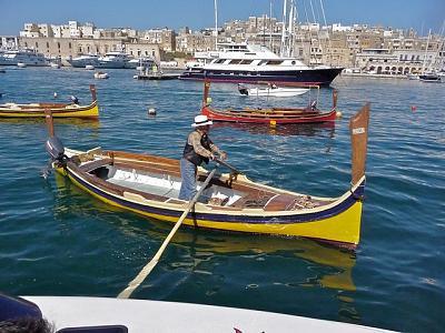 how-do-you-make-maltese-cross-hire-dghajsa-tour-1-.jpg