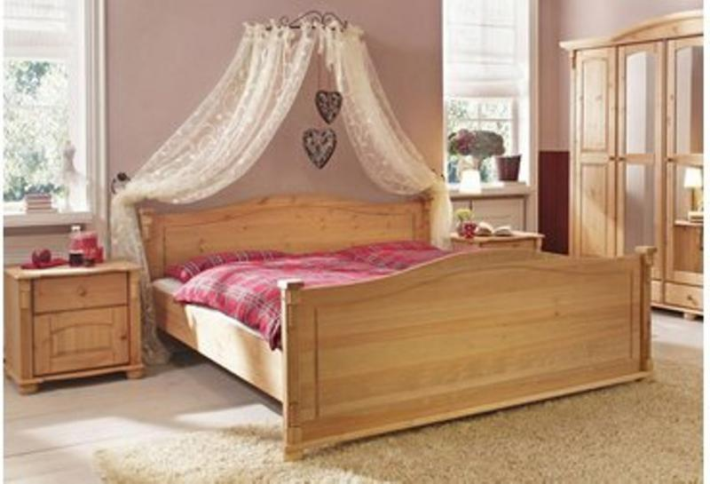Looking Canopy Bed Crown Curtaining Bedroom Idea