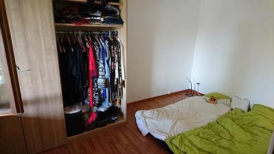 2-5-room-apartment-cham-zg-lake-rigi-view-available-rent-1-feb-2017-schlafzimmer.jpg
